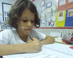 caligrafia-300x240 Uso da caligrafia é retomado para valorizar a escrita à mão